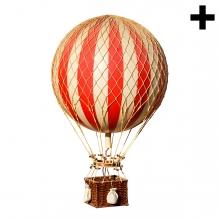 Imagen en la que se ve un globo aerostático en perspectiva lateral