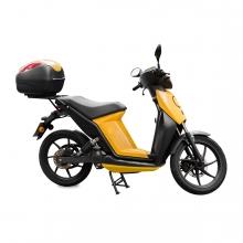 Imagen en la que se ve una moto eléctrica